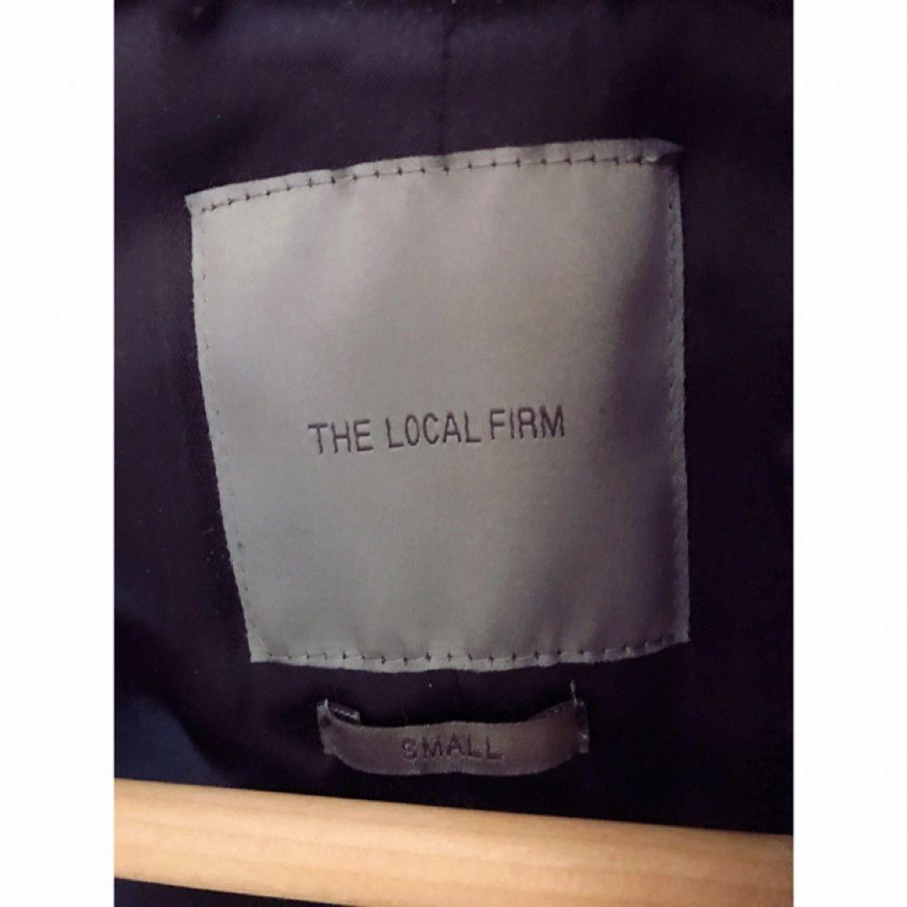Black Bomber Jacket från THE LOCAL FIRM. Som ny. Nytt pris 1999kr.. Jackor.