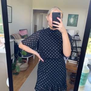 Klänning från Boohoo, endast provad. Kan skickas om köpare står för frakt.