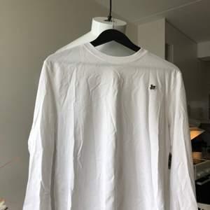 Långärmad tshirt från weekday. Använd en gång! Small herrstorlek