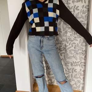 Stickad rutig vintage tröja från peak, använd Max 1 gång!(frakt tillkommer,köpare står för frakt💕