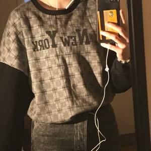svart new york tröja använd 2 gånger