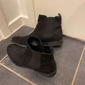 Säljer mina boots från hm i nyskick, storlek 39. 50:- + frakt