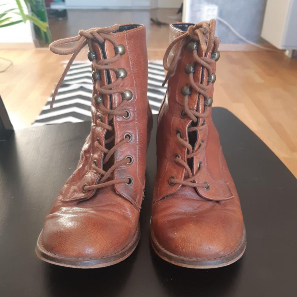 Bruna boots! Lite