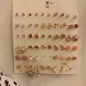 Alla är sjävklart oanvända, säljer då jag är inne i en silversmyckes-period🥴 1 par = 15kr 3 par = 40kr, frakt kostar oavsett 11kr!