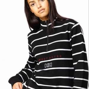 Asball tröja från en collab mellan Helly Hansen och Sweet sktbs (köpt för precis under tusenlappen) aldrig använd då den inte matchar min stil riktigt 🖤