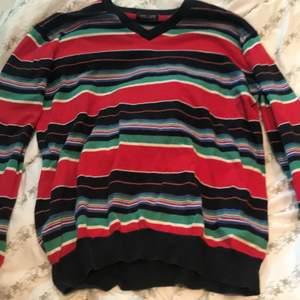 Randig tröja i olika färger, jätteskönt material.