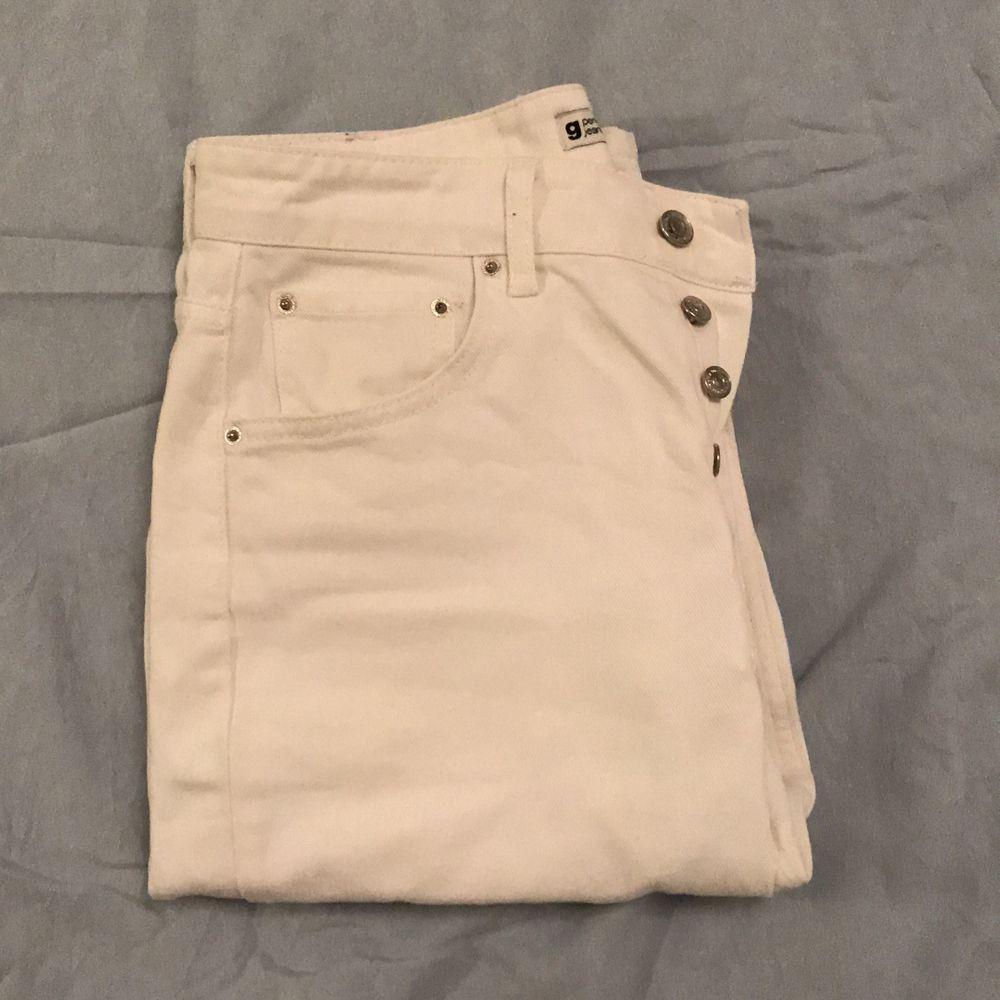 Super fina Mom Jeans från Gina tricot💗 knappt använda och i fint skick! . Jeans & Byxor.