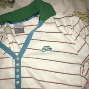 Vintage Tshirt från Nike, thriftad o i fint skick! Storlek S, funkar nog många Xs och M också⚡️