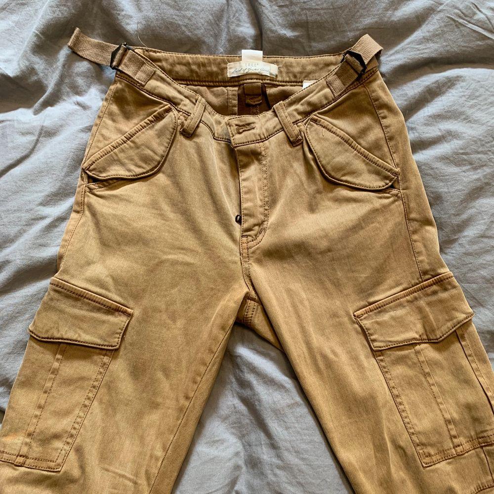 Begagnad . Jeans & Byxor.