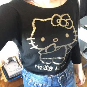 Fett unik hello kitty tröja 🥰