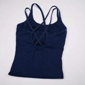 Body perfekt för exempelvis dans och gymnastik. Se fler trendiga träningskläder på vår Instagram @oak_uf!