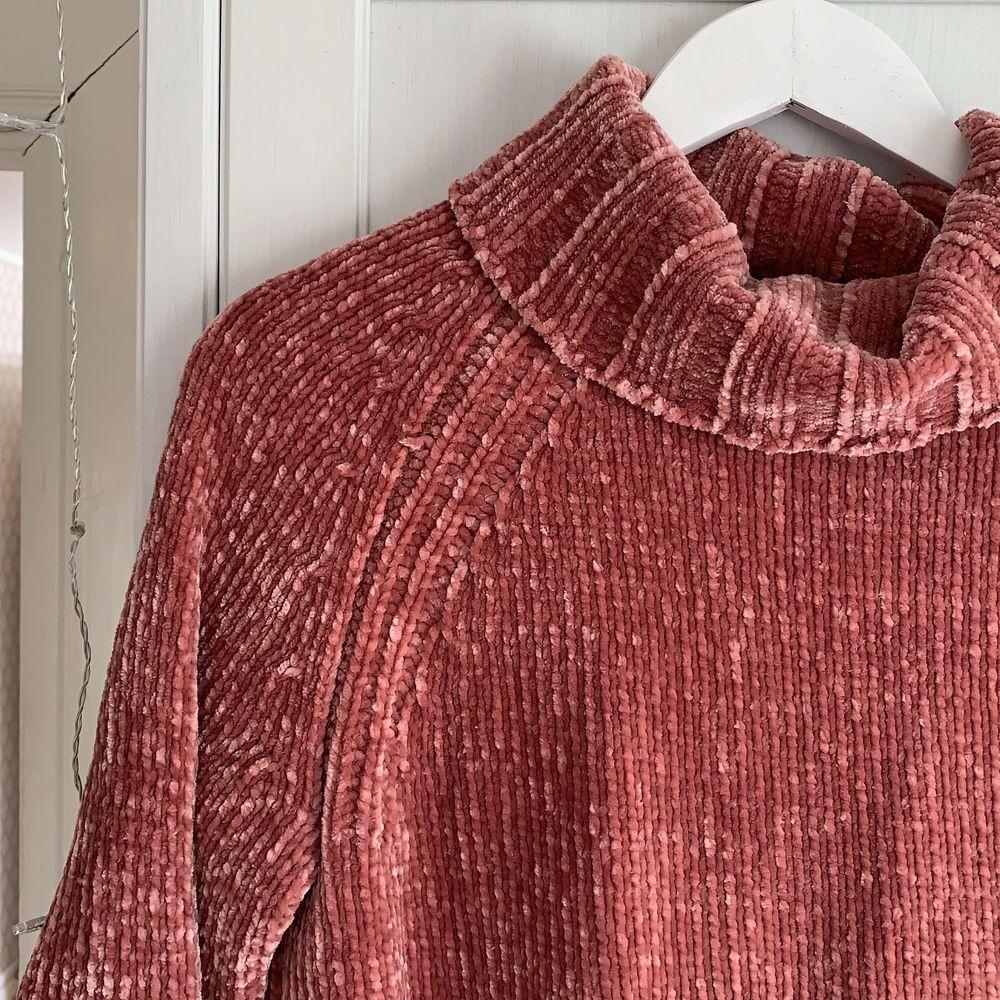Super gosig rosa tröja från Only.. Stickat.