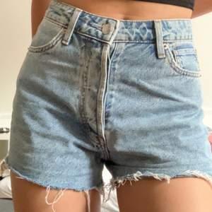 jeansshorts från hm storlek 36 pris 70kr+frakt