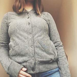 Cardigan made of cotton. Super soft and comfortable. Size large.