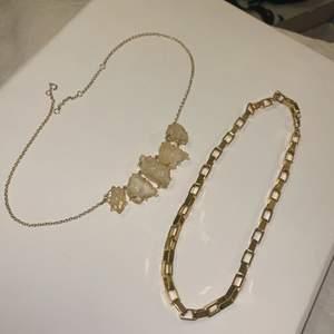 Halsband, båda två för 100kr. Frakt på 24kr tillkommer. 💓