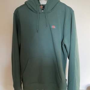 Dickies hoodie köpt precis för 700kr mitt pris 300kr