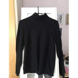 Färg: svart Storlek: M Skick: bra skick Material: 80% bomull, 20% nylon