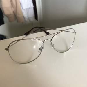 Fönsterglasögen i bra skick utan repor