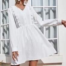 Tidlös och klassisk studentklännig eller skjorklänning😎                                                   Storlek S men passar även XS och M.                Tjockt och bra material!!