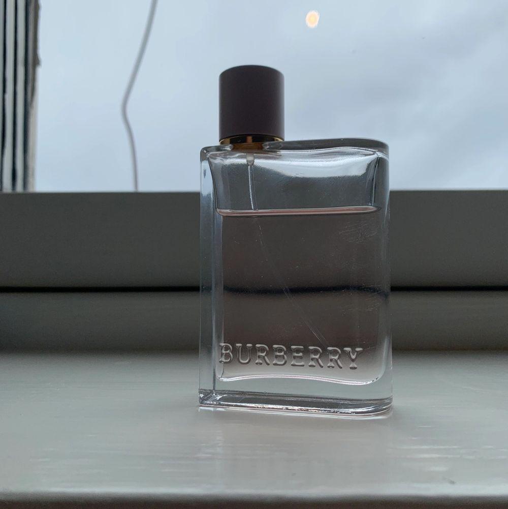 Burberry parfym, 50ml, FRI FRAKT!! Nypris-980kr. Övrigt.