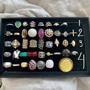 LÄS HELA ANNONSEN VID INTRESSE🌸                             Ber man om tex bilder eller mått på en ring finns chansen att ringen blir såld innan då det är många intresserade.        Säljer en massa coola ringar i olika skick, kvalitet och storlekar!                                                                                 RINGARNA PÅ FÖRSTA BILDEN ÄR DEM SOM FINNS.  KLASS 1=160kr/st Dessa ringar är i silver.                    KLASS 2= 75kr/st!                                                                          KLASS 3= 70kr/st!                                                                                             KLASS 4= 50kr/st!                                                          KLASS 5= 10kr/st!                                                                           KLASS 6= 5kr/st                                                                     🌸SKICKA SCREENSHOT på ringen du är intresserad av! Skriv privat för fler bilder på skick, storlek osv!!                   •En ring är köpt när man swishat!                                          •Se till att fråga om skick då vissa är mer använda än andra samt att det är väldigt svårt för mig att berätta exakt allt om ringen!🌸💕 Frakt kostar 12kr eller 24kr beroende på vad paketet väger!