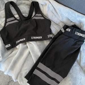 Träningstights & sportbh ifrån stronger! Ser helt nya ut då jag knappt använt dem eftersom dem blivit för små. :) Säljer helst ihop