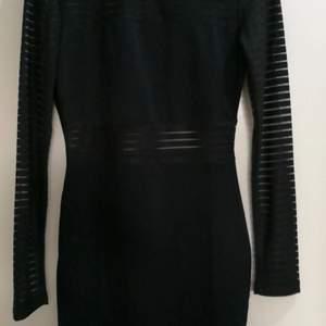 En jätte fin klänning bra passform, storlek xs ifrån shein.