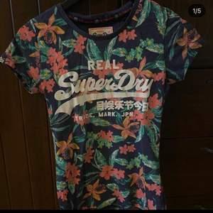 Säljer nu min somriga fina T-shirt