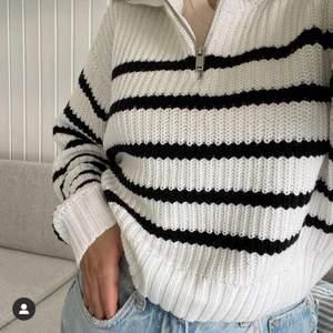 Jättefin randig tröja från Gina tricot, helt ny med prislapp kvar. Storlek xxs men passar allt från xxs- s. Slutsåld på hemsidan. Pris kan diskuteras