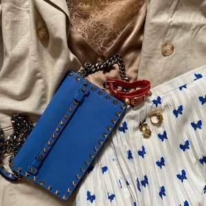 Valentino clutch, fint skick, har dustbag och äkthetsbevis