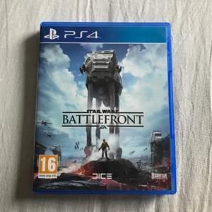 Star Wars Battlefront till PS4 i nyskick!! Inga skador eller repor. Budgivning om fler är intresserade:)