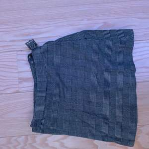 två kjolar från brandy melville! köps separat eller tillsammans för 250💕💕 säljer då de är för små, skulle säga att de passar storlek 34/36. skriv för mer bilder😋