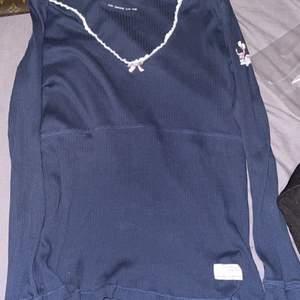 Helt ny Odd Molly långärmad tröja i storlek 2 ( M ) 250kr+frakten