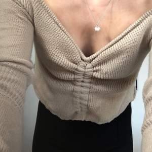 Stickad tröja från madlady. Onesize.
