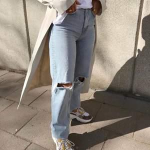 Jeans från Gina tricot. Köparen står för frakten. Nypris 600