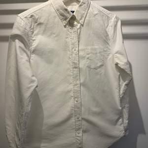 Gantskjorta i fint skick, endast använd ett fåtal gånger