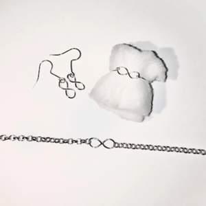 Evighets kollektionen finns som örhängen, ring, fotlänk och armband.                                                                      Skriv privat för styckpriser, men vill man ha en av varje i kollektionen så kostar det 65kr                                                               Allt är handgjort!💓