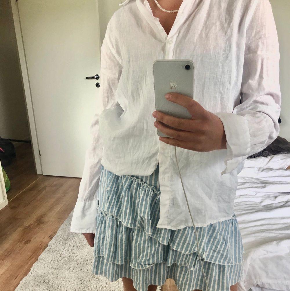 Sommrig kjol med blåvita ränder💕 Skriv privat för budgivning!. Kjolar.