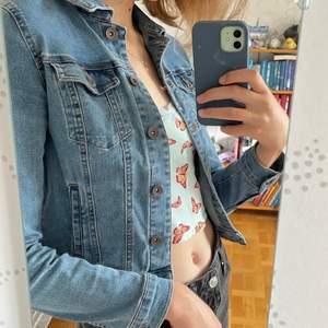 Ascool tidigt 00-tals jeansjacka, står XS men passar också S💛