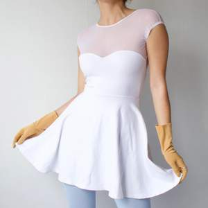 ◾️ SOFT CUTE WHITE MESH COTTON DRESS, WITH HEART NECKLINE AND CUTOUT BACK  • SIZE - XS-S / EU 34-36 • BRAND -  AMERICAN APPAREL  MY MEASUREMENTS • Height 161cm / 5'3