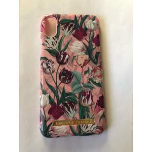 Jättefint blommigt skal från ideal of sweden i nyskick till iPhone X. Special edition (frakt 12-24 kr)