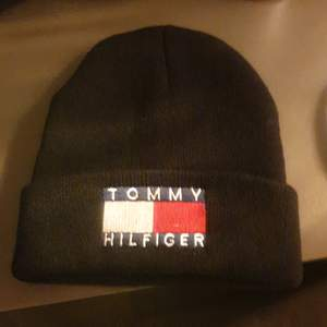 Ny Tommy Hilfiger mössa