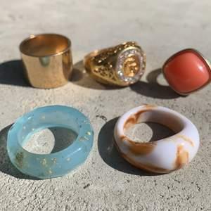 Säljer dessa snygga och coola ringar. De kostar 30kr styck! Köparen står för frakten💗