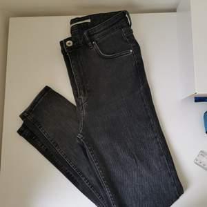 High waist - skinny grey jeans zara. Perfecr condition. Pick up at aspudden.