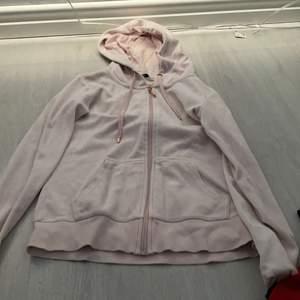 En gullig rosa tröja från Cubus☺️ för liten och nästan aldrig kommit till användning. 💕