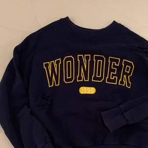 Säljer denna sweatshirt från Gina som jag köpte på sellpy, buda gärna eller skriv om du har frågor och funderingar