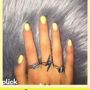 Dessa silver ringar är duper trendiga och justerbara as najs❤️❤️🌟🙏🏼