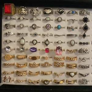 Alla ringar är oanvända❣️ Ta bild och ringa in dem ni vill köpa❣️                                                                                      ❌30 kr styck + 12 kr frakt❌                                                  Det finns ringar från xs till xl och vissa är även justerbara.