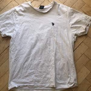 T-shirt från Ralph Lauren.