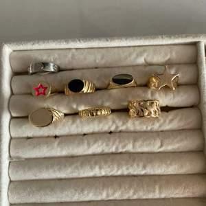 Helt nya ringar! Den översta Cartier för 150kr, resten 100kr. Storlek 7 på vissa och andra reglerbara. Frakt 12kr.